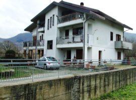 Villa con 2500 Mq di Noccioleto a Monteforte