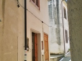 Monolocale multiuso nel centro storico di Mirabella Eclano