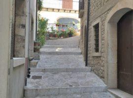 Semindipendente nel centro storico di Fontanarosa