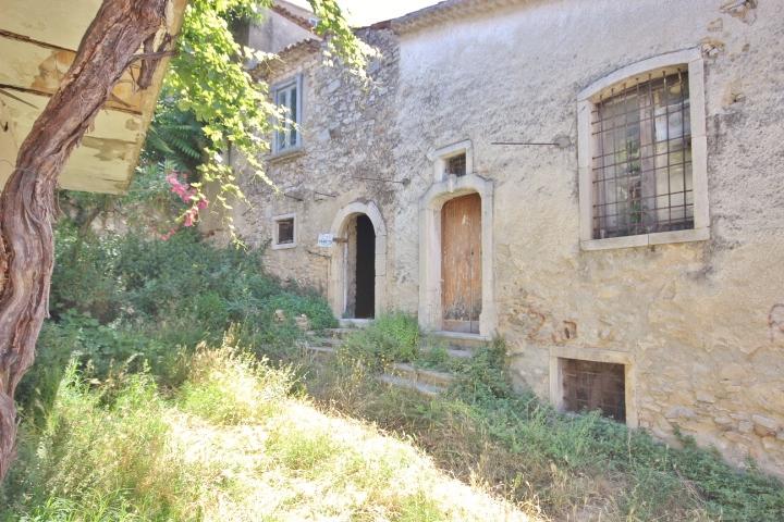 Rustico nel centro storico di gesualdo casagrin case for Case dall aspetto rustico