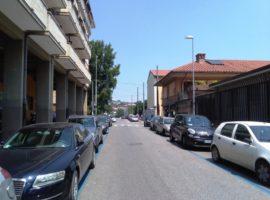 Locale commerciale a Via Fratelli del Gaudio