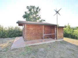Chalet in legno con casa sull'albero a Gesualdo