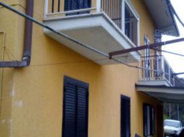 Vendo casa con oliveto a Castelfranci