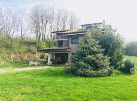 Villa singola con ampio terreno a San Michele di Pratola