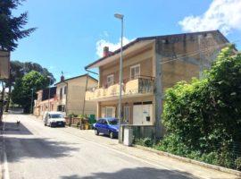 Casa indipendente con giardino nel centro di Montefredane