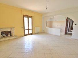 Appartamento con ingresso autonomo a Fontanarosa
