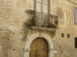 Palazzo del XVIII secolo con giardino nel centro storico di Grottolella
