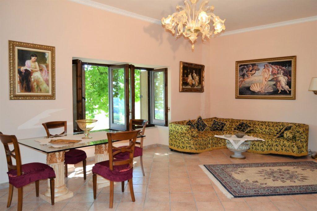 Splendido appartamento con giardino nel castello di Grottolella