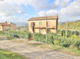 Casa indipendente con terreno di 4.500 Mq a Bonito