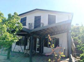 Casa indipendente con 5.000 mq di terreno a Castelvetere sul Calore