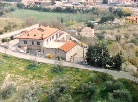 Villetta con terreno e terrazzi panoramici a Ariano Irpino