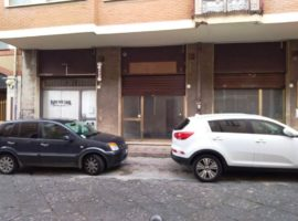 Locale commerciale di 30mq in Via Partenio