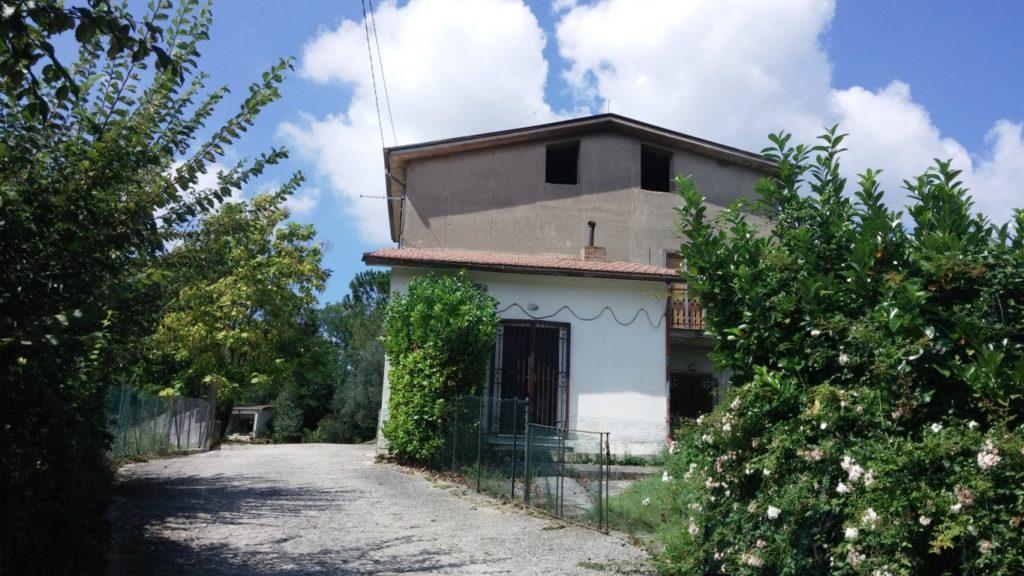 appartamento con giardino ad Altavilla Irpina