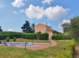 Antica Villa con terreno e piscina a Torre le Nocelle