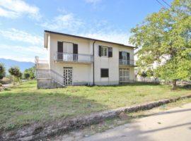 Casa indipendente con giardino a Taurasi