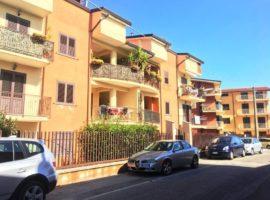 Appartamento di 100mq con grazioso terrazzino
