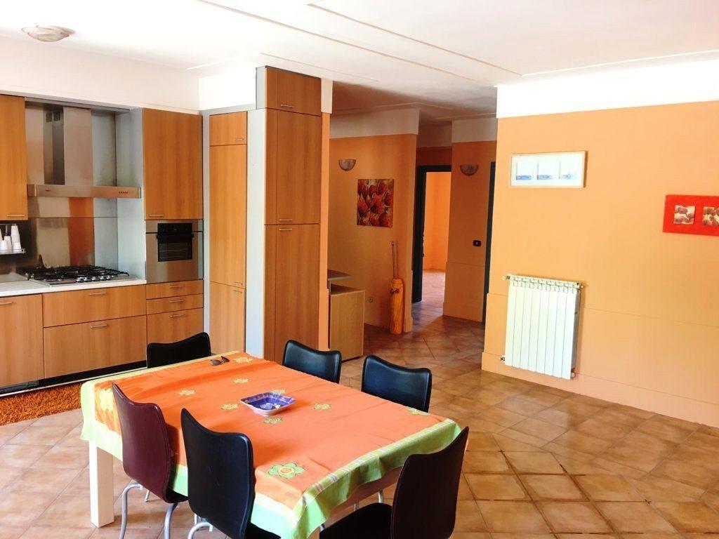 appartamento con terrazzo a pratola serra