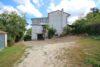 Due abitazioni con terreno di 4.000 mq a Frigento