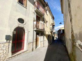 Semindipendente nel centro storico di Cesinali