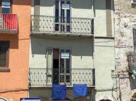 Semindipendente su tre livelli al centro di Montefalcione