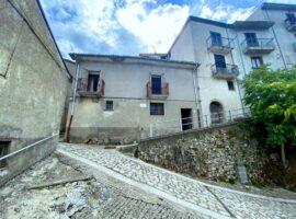 Semindipendente nel centro storico di Montemarano