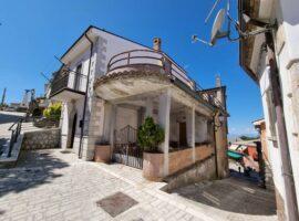 Indipendente con terrazzi panoramici a Trevico